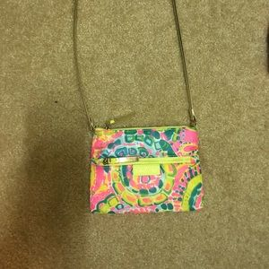 Lilly Pulitzer cross body purse!!